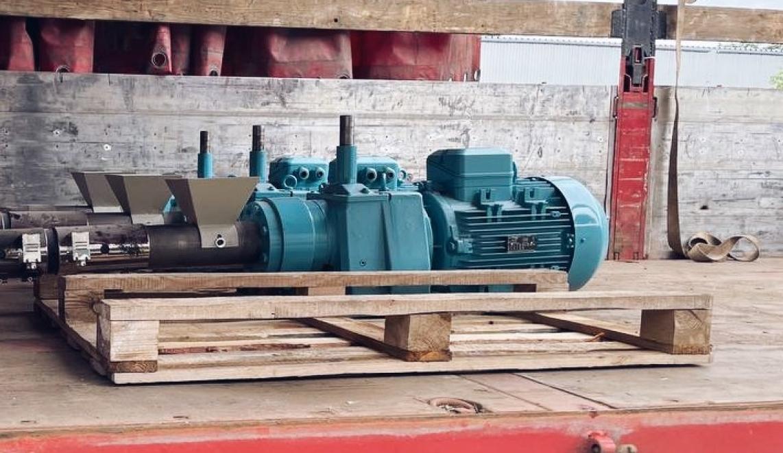 Transportation of the shoe sole making machine