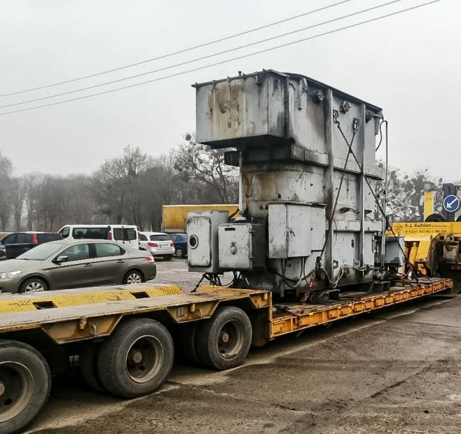 Transportation of a transformer